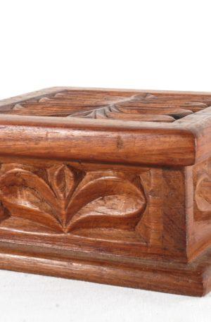 Kästchen mit Deckel – aus Hartholz